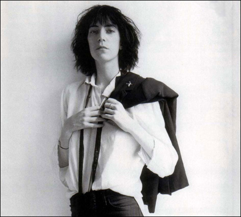 1003_pattismith_horses