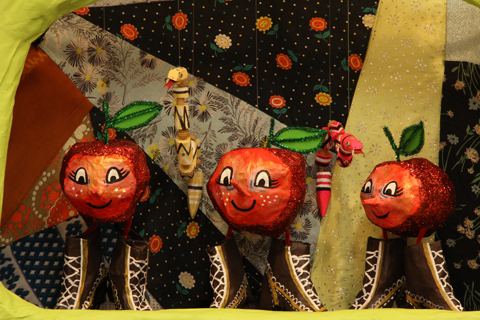 0628_art_apples_top.jpg
