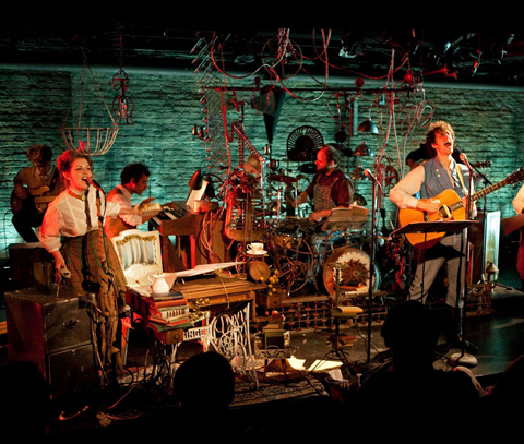 THEATER_Futurity-tight_main