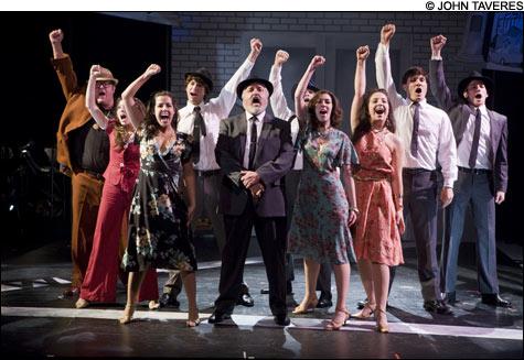 Theater_TheFamily_main