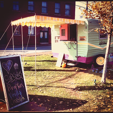 food_trucks_LoveCupcakes_ma