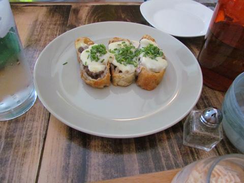food_Enios_calzone_main