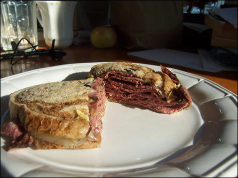 food_mikes_pastrami_main