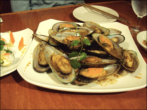 food_saigon_mussels_main