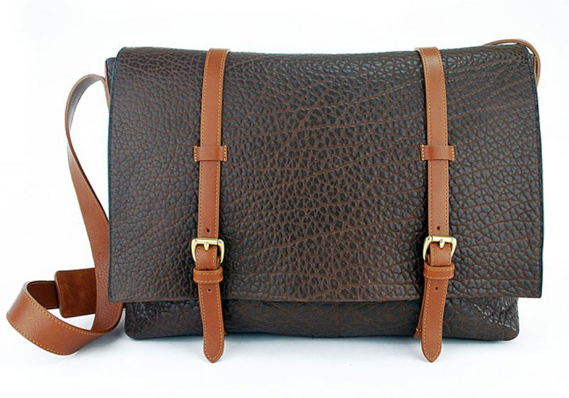 Shrunken-Leather-Mesenger-Bag-chocolate