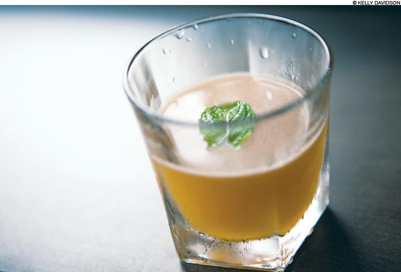 cocktails_AguadeTamarindo_main