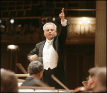 MOLTEN MOZART Barenboim revealed dramatic contrasts not only between phrases but also within phrases.