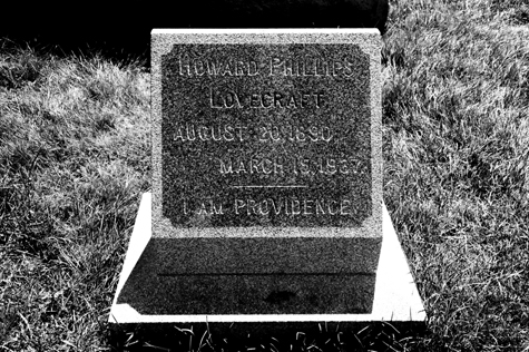 LOVECRAFT_grave_main