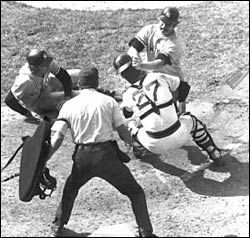GOLD GLOVES: Boston's best baseball brawls.