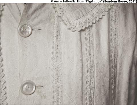 Emily_Dickinsons_Dress